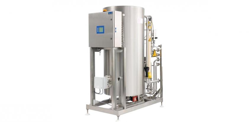 High-performance heat disinfection systems for renal dialysis water.