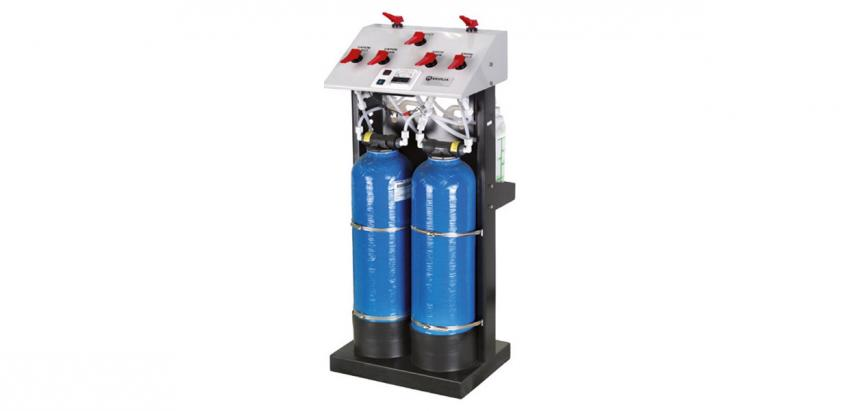 A cost-effective manual deionisation system that produces water with low conductivity.
