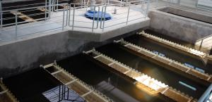 Proven and adaptable sludge-clarifier technology for municipal and industrial use.